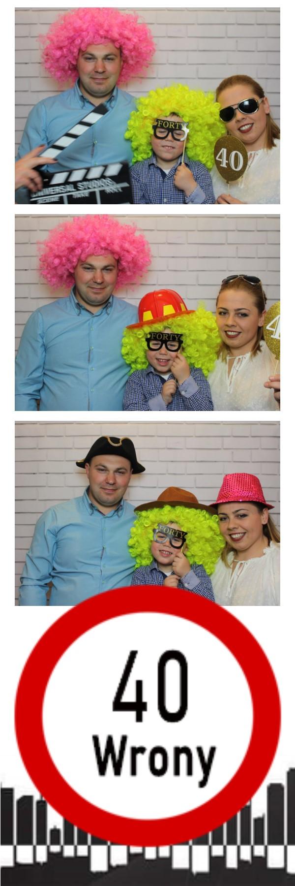 zdjęcie z fotobudki na imprezie urodzinowej Wrony